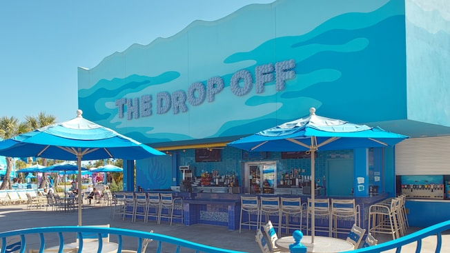 Disney's Art of Animation Resort, poolside bars