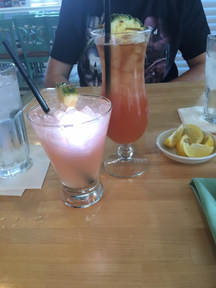 disney drinks, alcoholic drinks at Olivia's Cafe with light up ice cube, disney dining plan